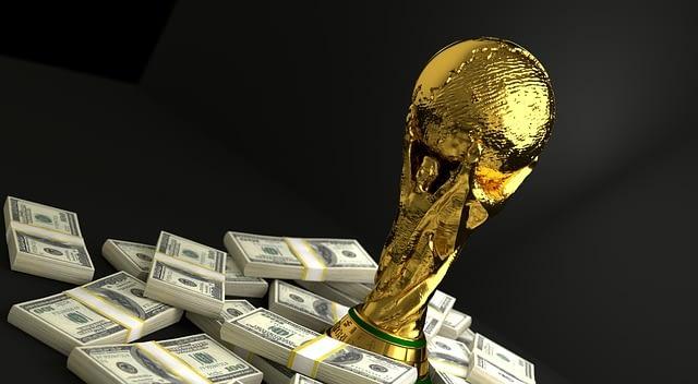Avec l'explosion des droits TV et l'augmentation du CA, le foot professionnel français devient très attractif