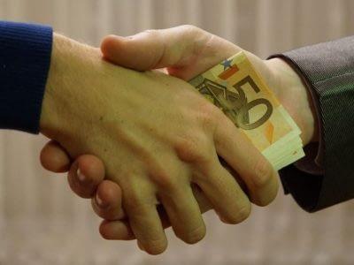 PME et ETI victime de fraude ou acte frauduleux , corruption et risques abus bien sociaux